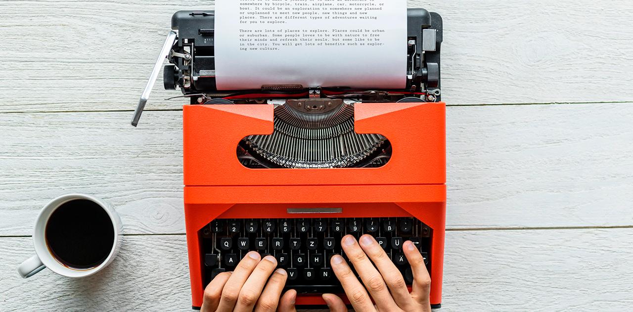 kirjoituskone_kahvia_uutiskirje